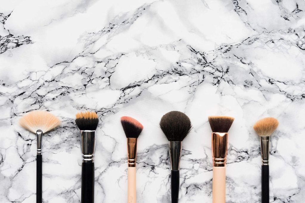 flatlay image of makeup brushes