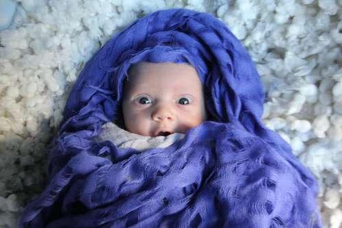 how to take photo of newborn