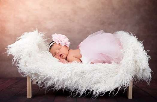 pastel colors used in baby shoot